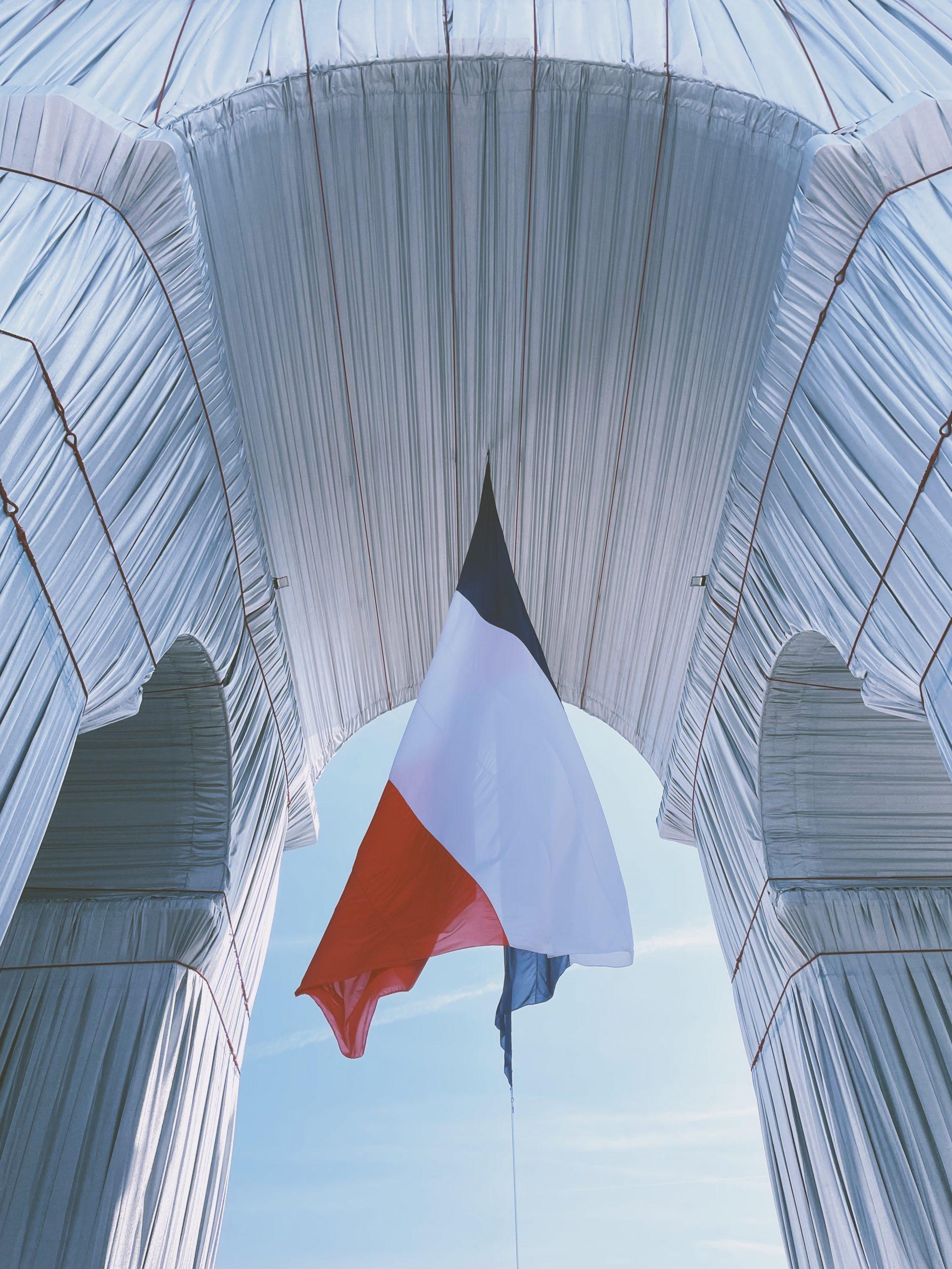 CHRISTO: L' Arc de Triomphe, Wrapped